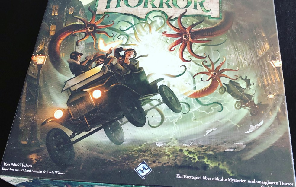 Unboxing Arkham Horror 3rd Edition
